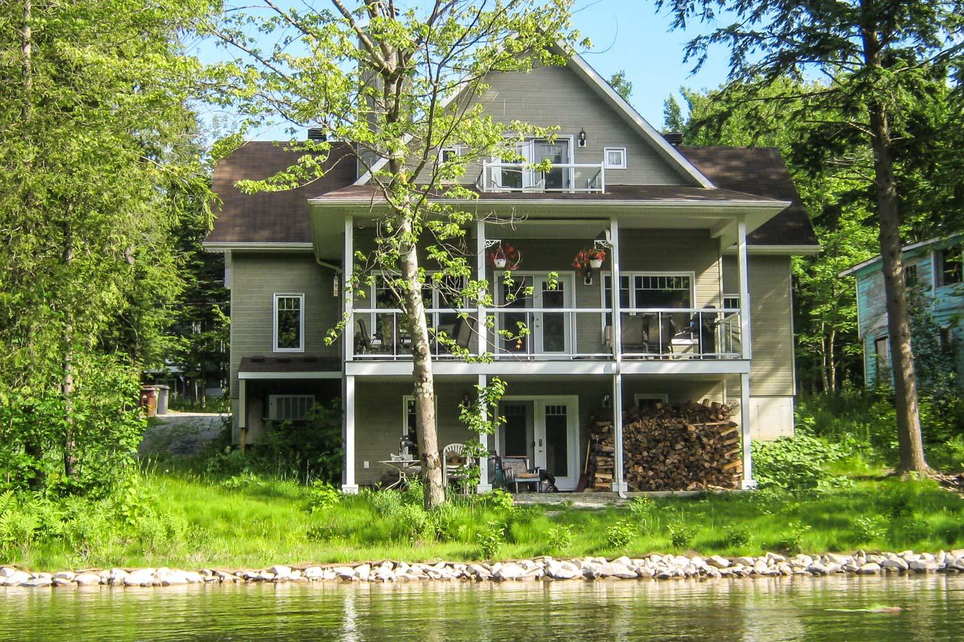 Maison bureau sherbrooke rue ravel rock forest saint Élie